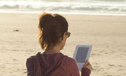 kindle-girl-beach